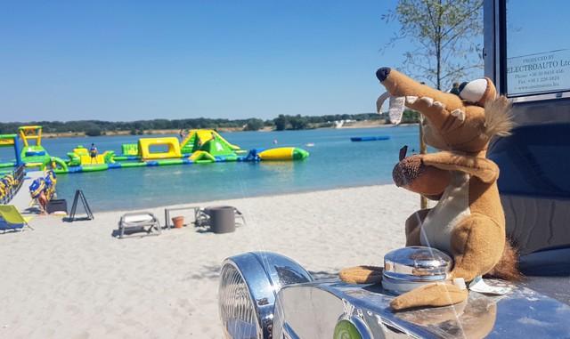 Luxushekk és flexelés Budapest új gizda strandján