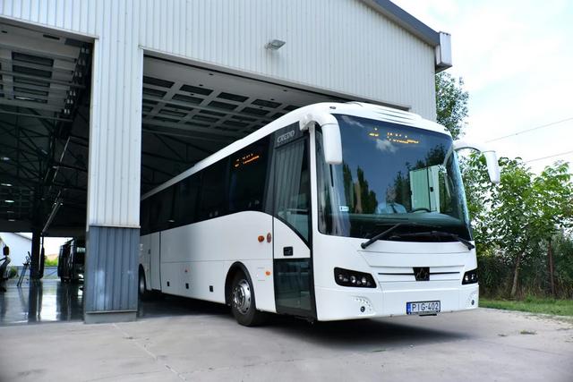 Dübörög a buszgyártás - Zsír új magyar buszok állnak hadrendbe