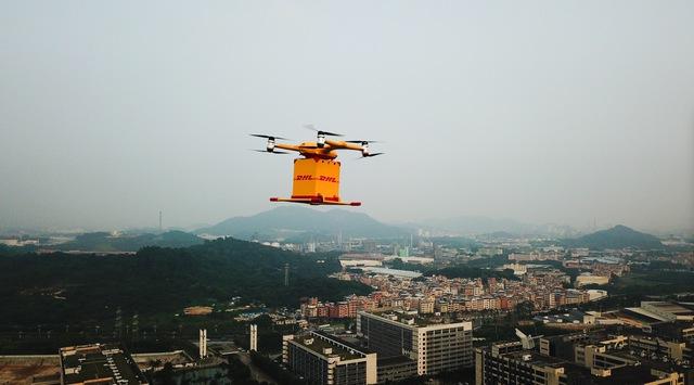 Ilyen, amikor egy jövőkép valósággá válik: drónok szállítják ki a csomagokat Kínában