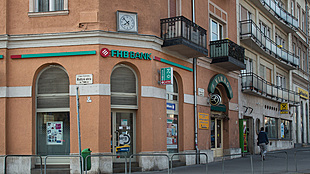 Hungary's FHB sells stake in largest owner of Takarékbank
