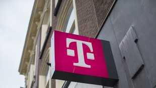 Hungarian fund managers still favour Magyar Telekom