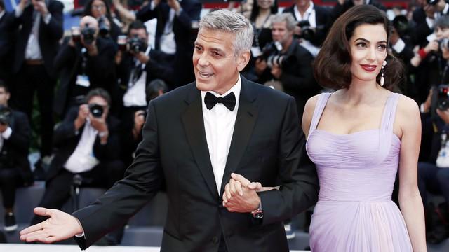 Félmillió dollárt adományoz George Clooney és neje a fegyvertartás szigorításáért harcolóknak