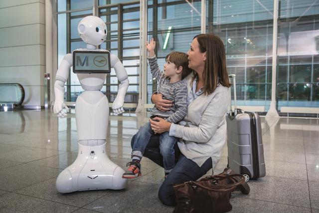 Humanoid robot ad mától útbaigazítást a müncheni repülőtéren