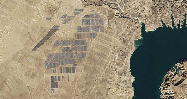 Itt vannak a világ legnagyobb naperőművei