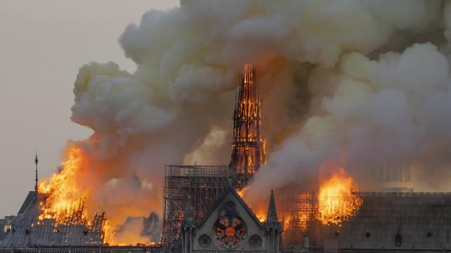Notre Dame-i tűzvész: a legrosszabbat sikerült elkerülni