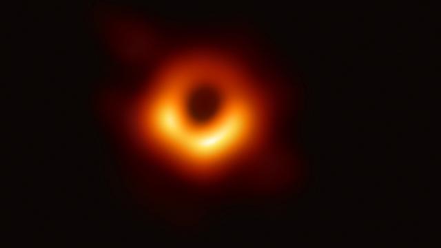 Farmot csinálunk a fekete lyukból, hogy elhalasszuk a világvégét