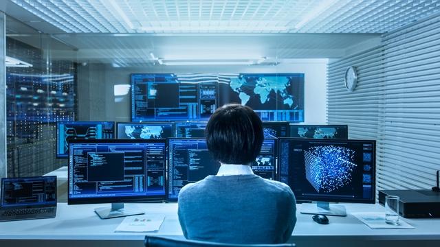 Rendszeresen elrabolják az internetet, és gátlástalanul kémkednek utánunk