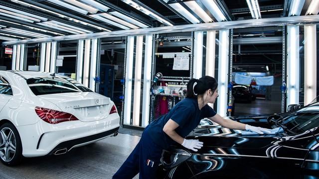Brutális hír szivárgott ki a német sajtóban: veszélyben a magyar autógyárak?