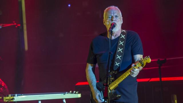 Elárverezte gitárgyűjteményét a Pink Floyd frontembere és a klímaváltozás elleni harcra adta az árát
