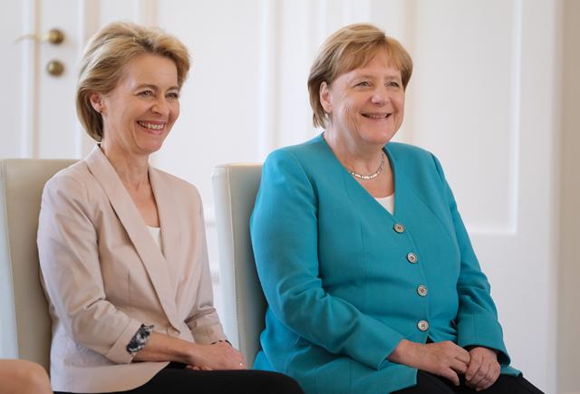 Békülne a Bizottság új elnöke Magyarországgal és Lengyelországgal