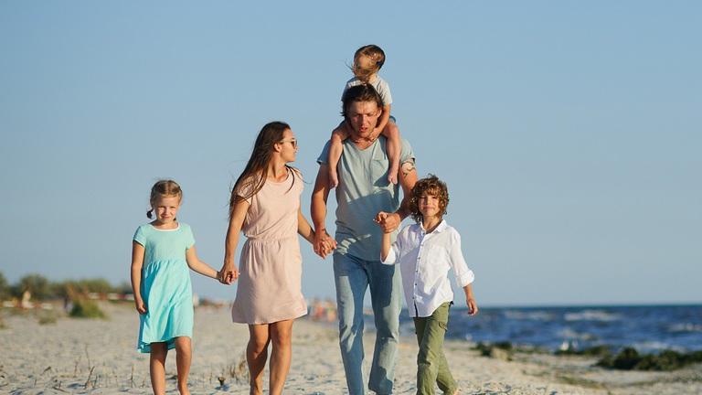 Elvesztél az új családtámogatásokban? Itt a mindent összefoglaló táblázat