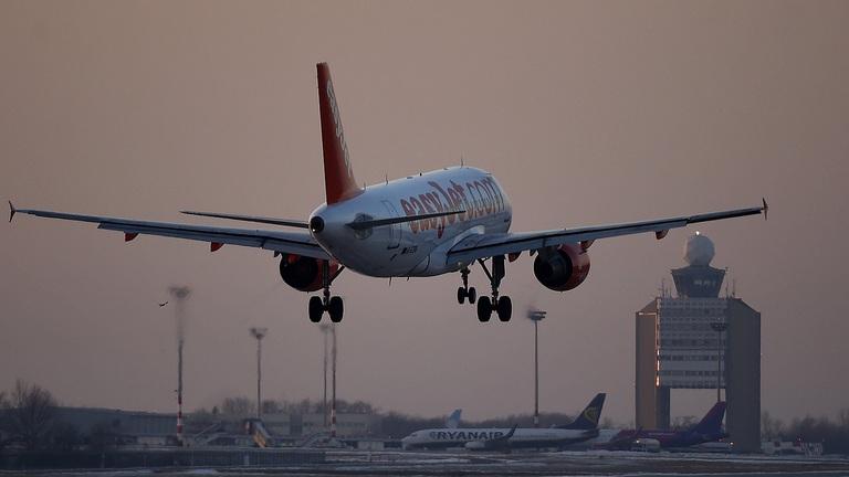 Augusztustól betiltják az éjszakai repülést Budapesten