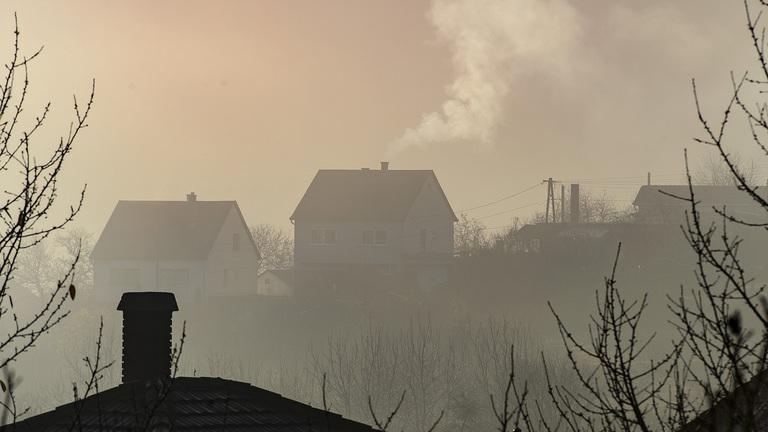Több magyarországi településen nem ajánlott kimenni a szabadba