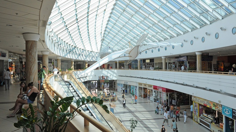 Teljesen megújul két hazai bevásárlóközpont
