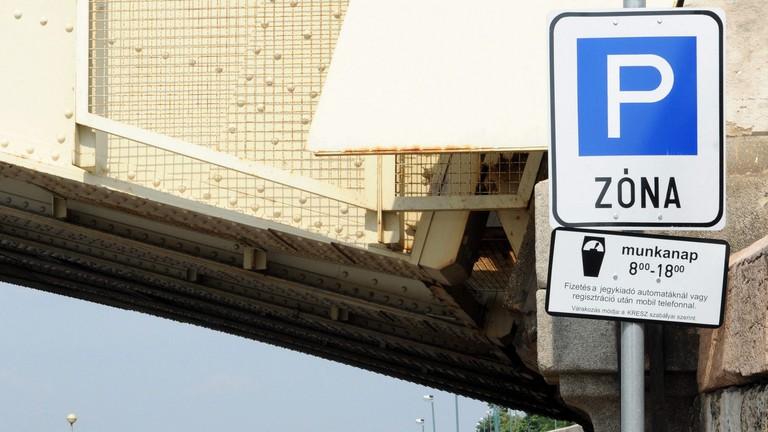 Tarlós: szeretném, ha a fővárosban egységes lenne a parkolási rendszer