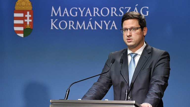 Jönnek az újabb kedvezmények a magyar családoknak
