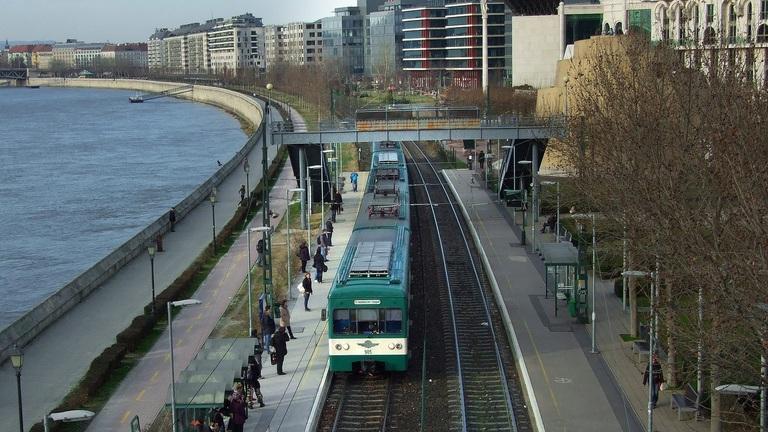 Az összes HÉV-et felújítanák és az új budapesti híd tervezése is elindult