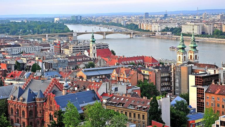 Őrült árak a belvárosban – Ezért szorulnak ki ennyien Budapest külső kerületeibe