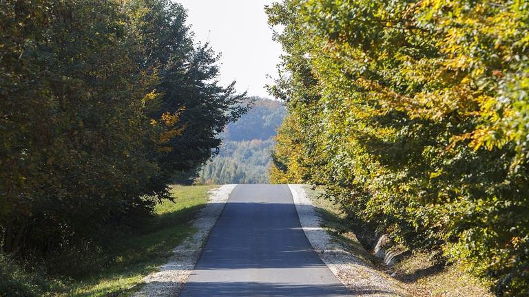 Már javában épül a kerékpárút a magyar-szlovén határon