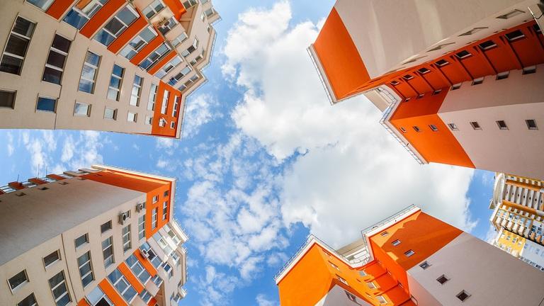 Nem lesz hová beköltöznie a babaváró hiteles lakásvásárlóknak