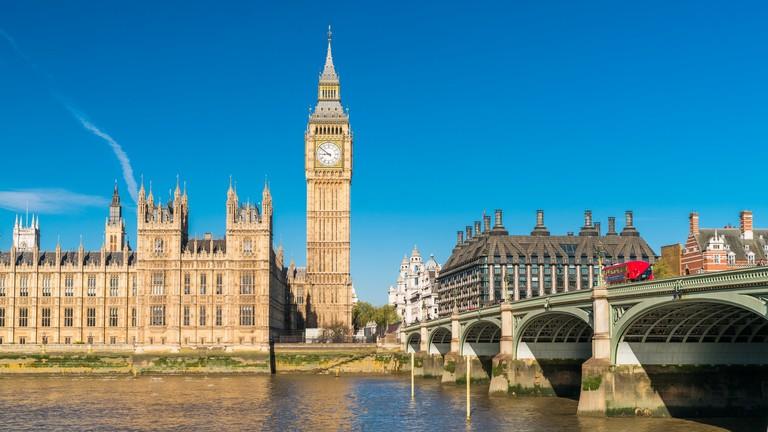 Paks és Salgótarján mutathatja az utat Londonnak és Helsinkinek