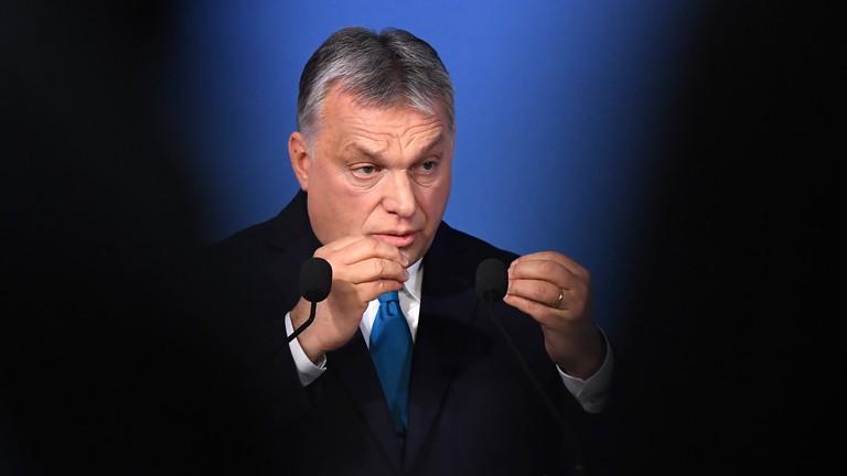 Három ábra arról, miért vonul most harcba Orbán Viktor