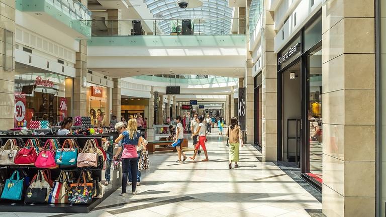 Bezár egy budapesti bevásárlóközpont