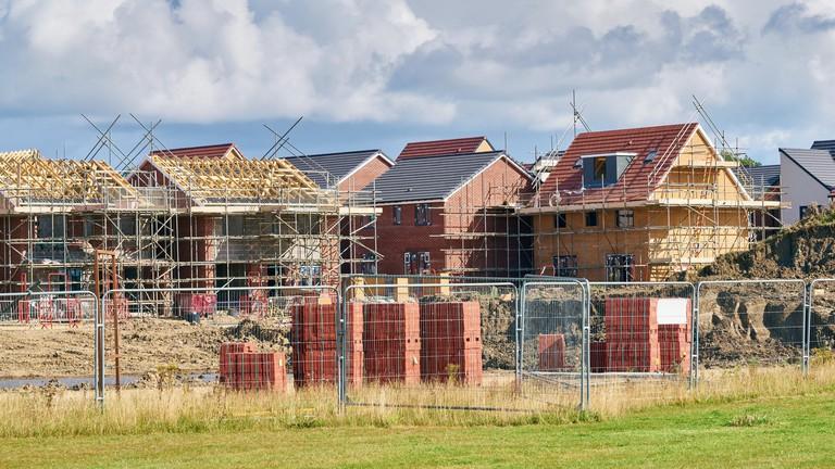 Ennyi volt, kipukkadt a lakáslufi? – 2015-ös szintre zuhant vissza a piac