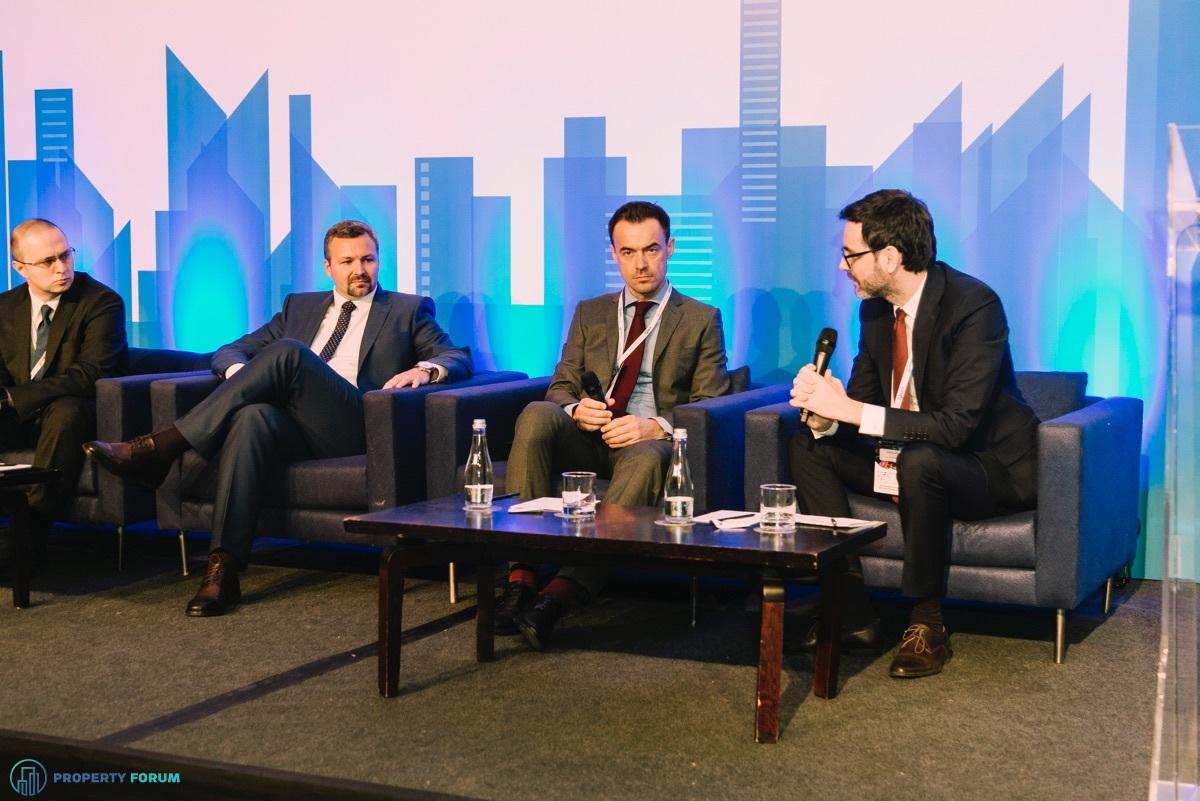 Financing roundtable: Mihnea Craciun (EBRD), Catalin Jaloba (BCR), Mihai Dudoiu (Ţuca Zbârcea & Asociaţii) and Andrei Vacaru (JLL Romania)