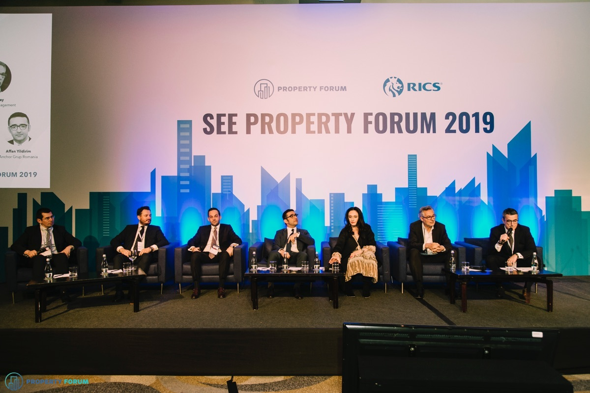 Romanian investment panel: Robert Miklo (Colliers International), Alexandru Mitrache (Cushman & Wakefield Echinox), Codrin Matei (Crosspoint Real Estate), Affan Yildirim (Anchor Grup Romania), Fulga Dinu (Immofinanz Romania), David Hay (ADD Value Management) and  R?zvan Gheorghiu-Testa FRICS (?uca Zbârcea & Asocia?ii)