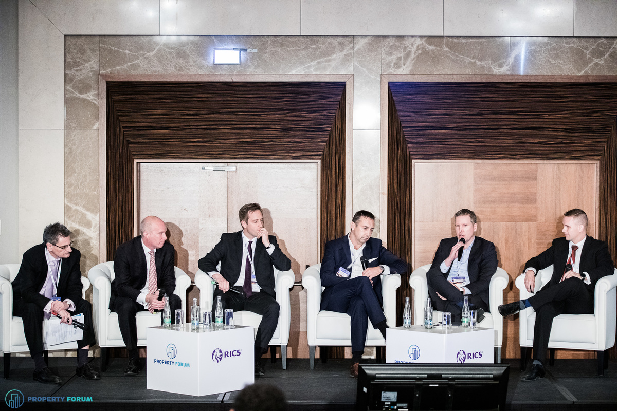Investor, developer and banker roundtable: Péter Számely MRICS (HYPO NOE Landesbank für Niederösterreich und Wien AG), Mark Robinson (Colliers International), Bert Hesselink MRICS (CTP), Vladimír Bolek (IAD Investment), Martin Ďuriančik (Tatra Asset Management) and Marián Fridrich MRICS (Cushman & Wakefield)