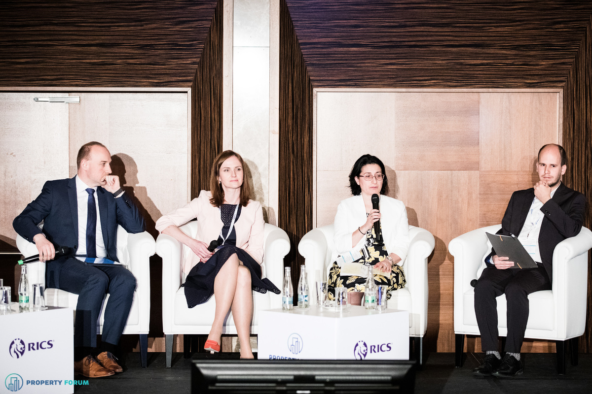 Retail and logistics panel: Martin Balá? (Prologis), Dagmar Yoder (Deloitte Legal), Cristina Dumitrache MRICS (Cushman & Wakefield) and Ákos Budai (Property Forum)