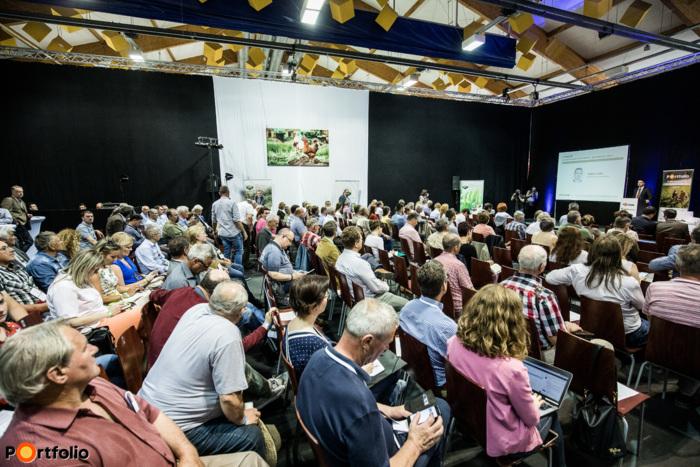 Több, mint 250 fő vett részt idén a pápai Nyugat-magyarországi Agrárfórumon