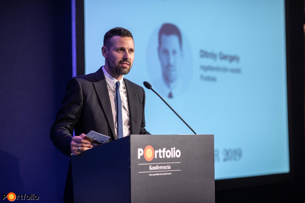 Ditróy Gergely (ingatlandivízió-vezető, Portfolio) köszöntötte a vendégeket a Portfolio első Építőipar konferenciáján