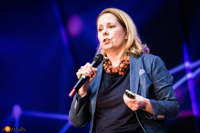 dr. Júlia Füredi (Founder, Sparq): Fintech pitches