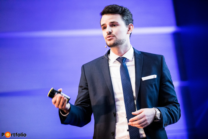 Péter Ivánkay (Project & Client Engagement Manager, UBS): Disruptive technologies and new players in the banking market
