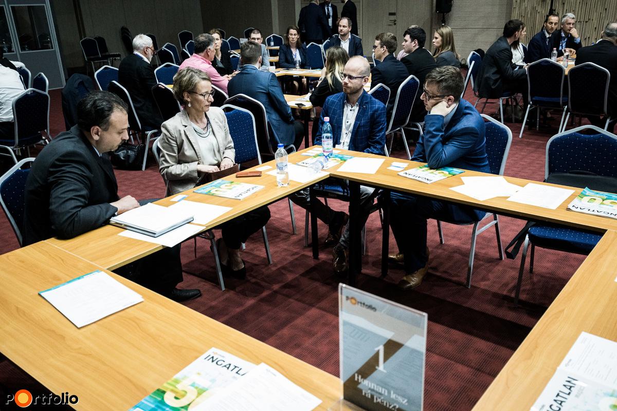 Körasztalos networking: 1-es asztal – Honnan lesz rá pénz? - Moderátor (Futó Péter, ingatlanpiaci elemző, Portfolio)
