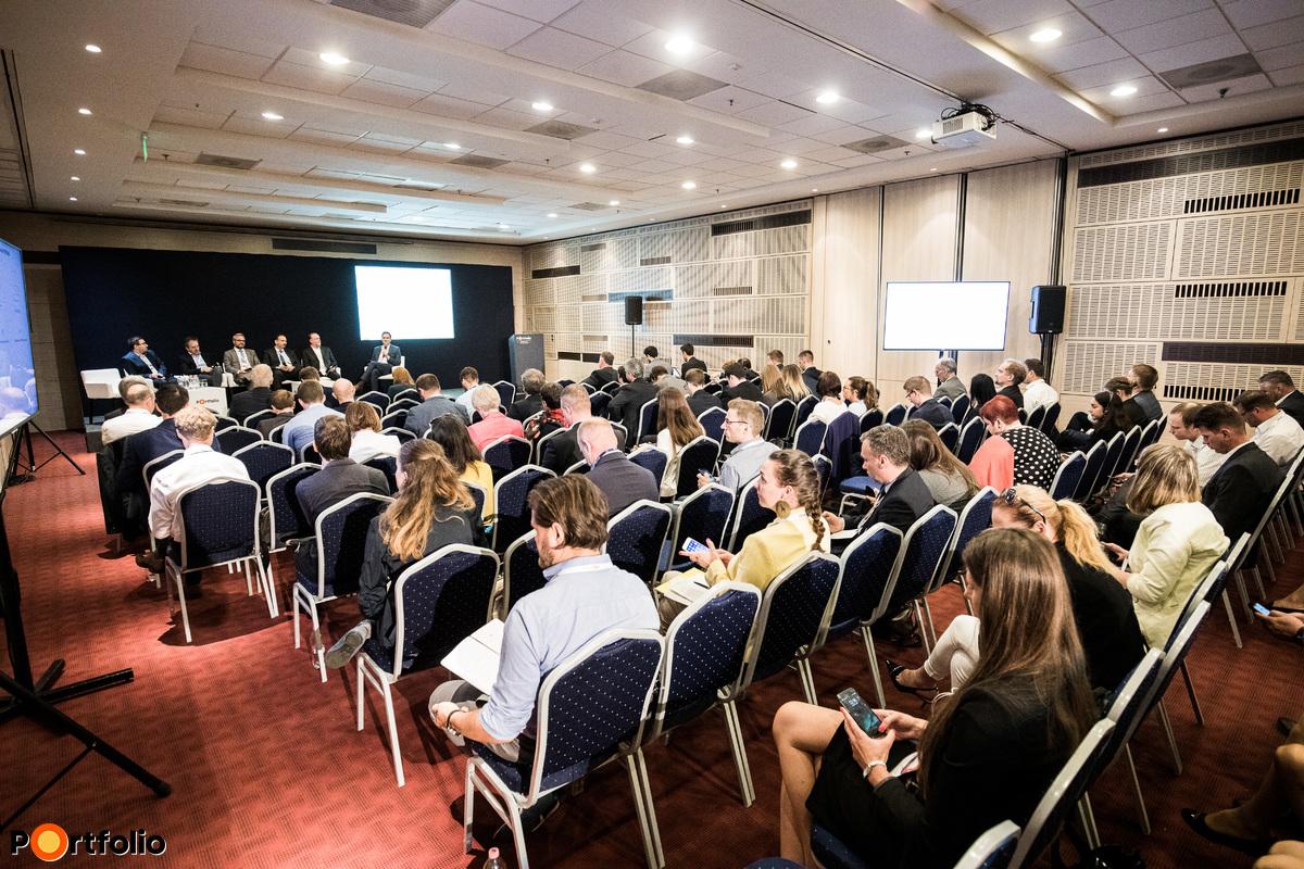 140 fő részvételével került megrendezésre a Portfolio Clean Energy & Disruptive Trends Summit 2019 konferencia az Europa Congress Center