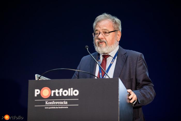 Prof. – Dr. Rohács József (egyetemi tanár, BME): Okos város közlekedés teljes-menedzselése
