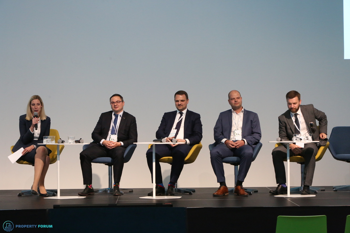 Valuation roundtable: Clare Sheils (CBRE), Pavel Krchňák MRICS (Oberbank), Marcel Kolesar MRICS (Colliers International), Tomáš Podškubka MRICS (TPA Group) and Ryan Wray MRICS (Knight Frank)