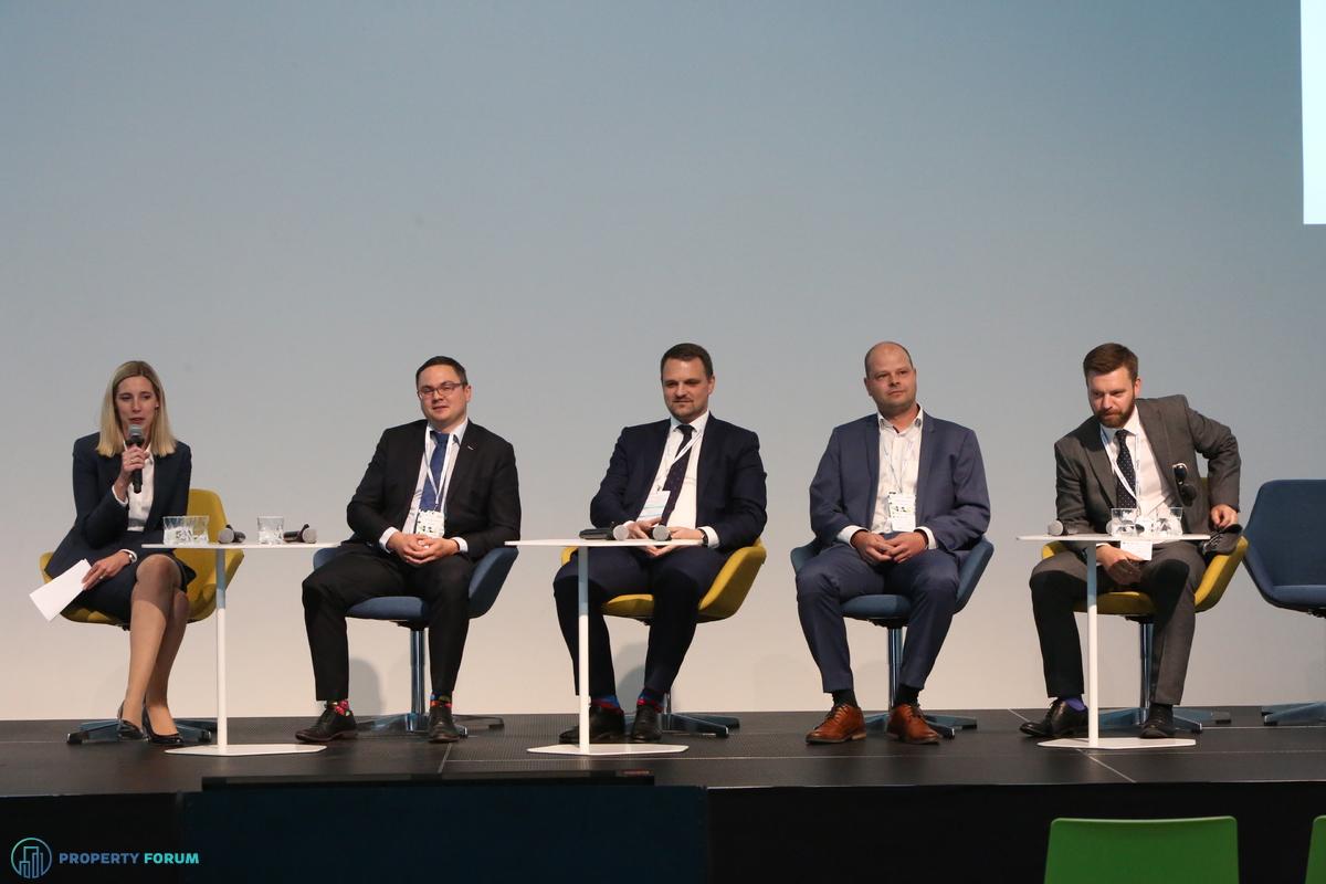 Valuation roundtable: Clare Sheils (CBRE), Pavel Krchňák MRICS (Oberbank), Marcel Kolesar MRICS (Colliers International), Tomáš Podškubka MRICS (TPA Group) and Ryan Wray MRICS (Knight Frank)