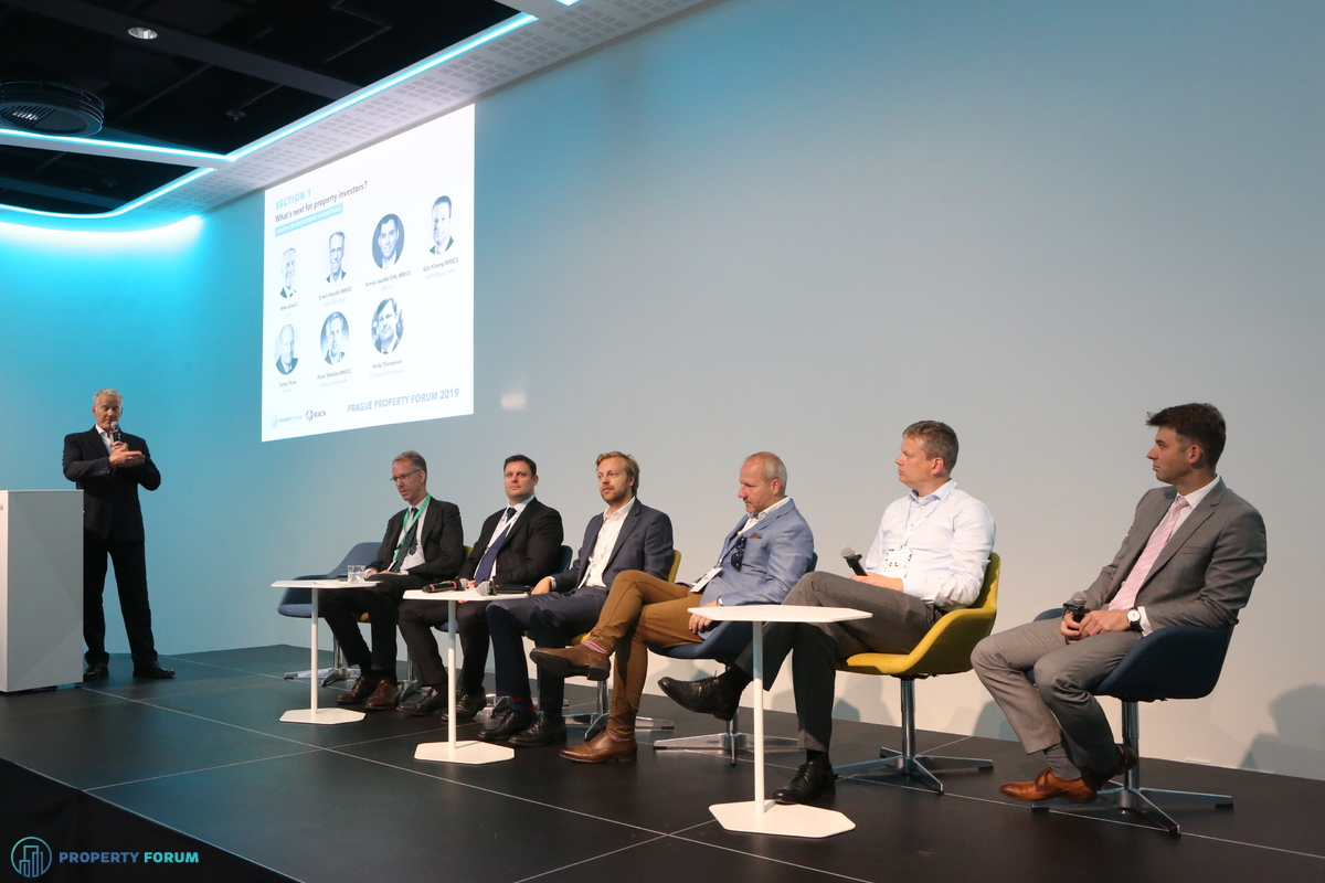 Investment roundtable: Mike Atwell (JLL), Erwin Hanslik MRICS (Taylor Wessing), Andy Thompson (Colliers International), Pavel Streblov MRICS (Penta Investments), Tomas Picha (Invesco), Gijs Klomp MRICS (NEPI Rockcastle) and Tomáš Jandík CFA, MRICS (REICO)