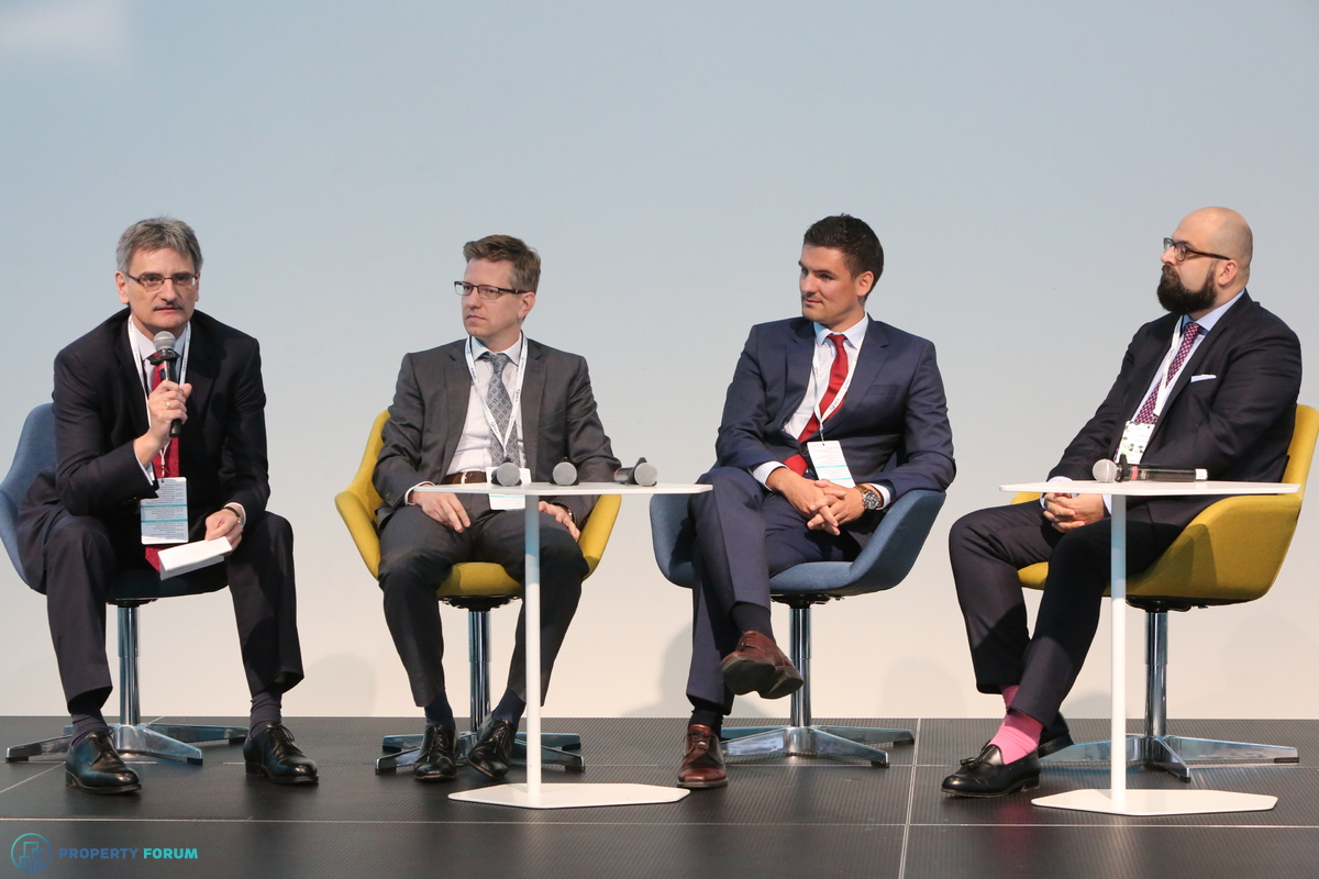 Financing roundtable: Péter Számely MRICS (HYPO NOE), Gábor Vörös (UniCredit) Michael Heller CFA (Raiffeisen Bank) and Hannes Wimmer (Erste Group Bank)