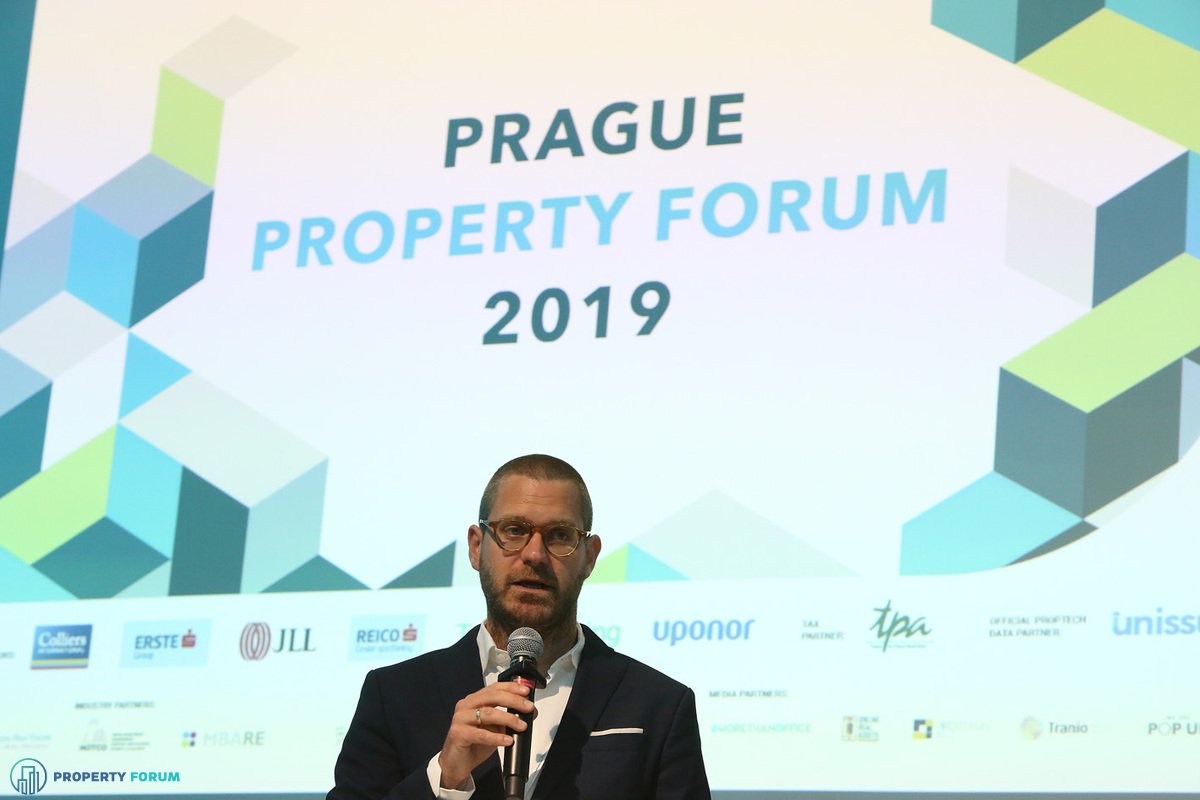 Welcome remarks by Csanád Csürös (Property Forum)