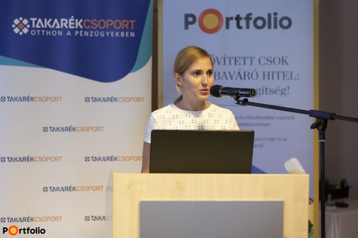 Henter Sarolta a Portfolio képviseletében köszöntötte a vendégeket