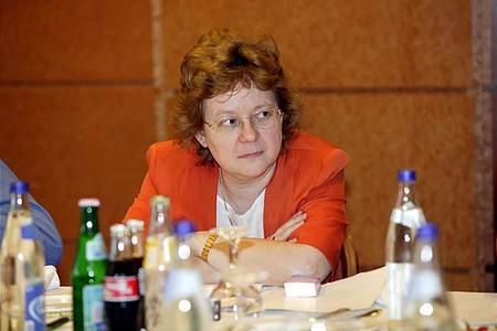 Auer Katalin, a Bankszövetség vezető jogtanácsosa