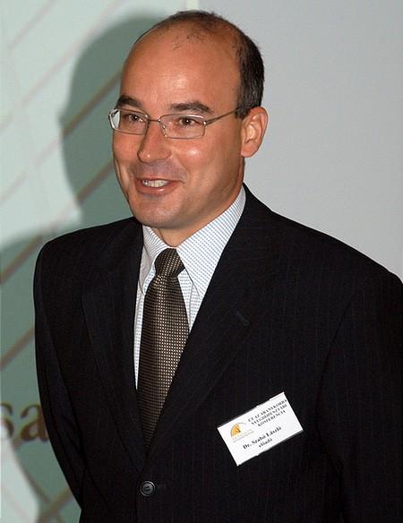 Szabó László a kapitalizmust és a szocializmust hasonlította össze