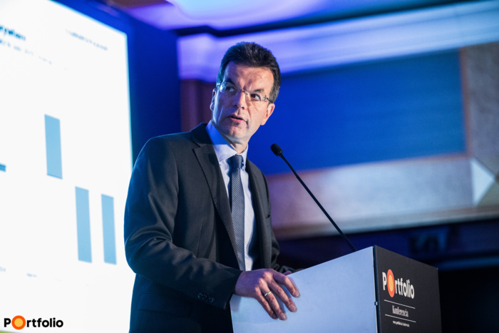 Ralph Solveen (Deputy Head of Economic Research, Commerzbank AG): Recesszió vagy újabb lendület? - A világgazdaság helyzete