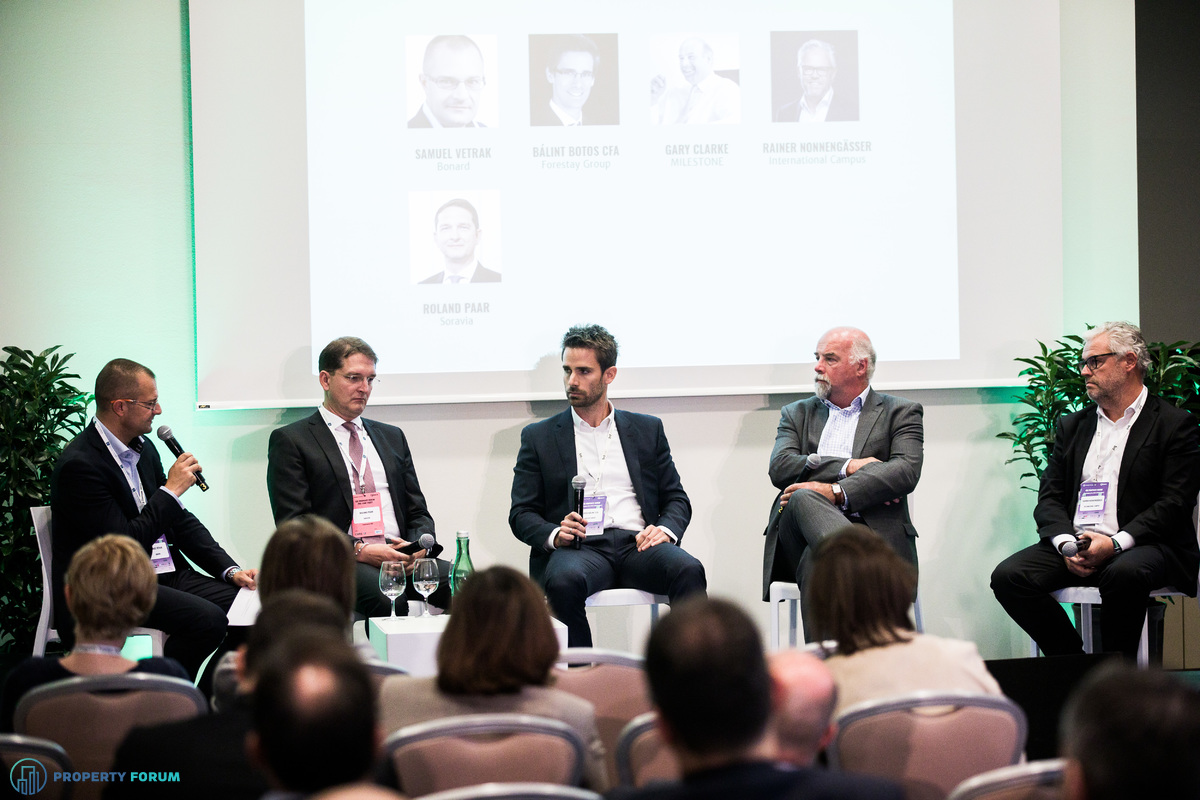 Student housing panel: Samuel Vetrak (Bonard), Roland Paar (Soravia), Bálint Botos CFA (Forestay Group), Gary Clarke (MILESTONE) and Rainer Nonnengässer (International Campus)