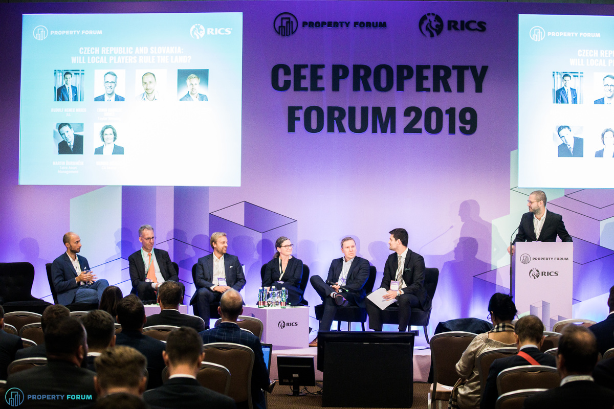 Czech Republic and Slovakia panel: Maxim Shkolnick (Focus Estate Fund), Erwin Hanslik MRICS (Taylor Wessing), Pavel Streblov (Penta Investments), Hedwig Höfler (CA Immo), Martin Duriancik (Tatra Asset Management) and Rudolf Nemec MRICS (JLL)
